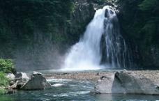 瀑布迷景图片