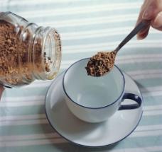 冲咖啡粉图片
