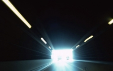 穿越隧道图片