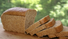 全麦面包图片
