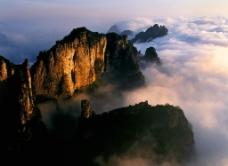 云叠山涧图片