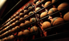 运动器材篮球图片